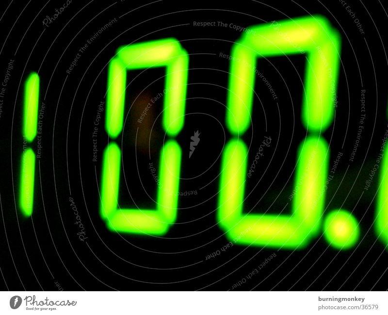 100. grün Technik & Technologie Ziffern & Zahlen Anzeige Digitalfotografie Leuchtdiode Elektrisches Gerät