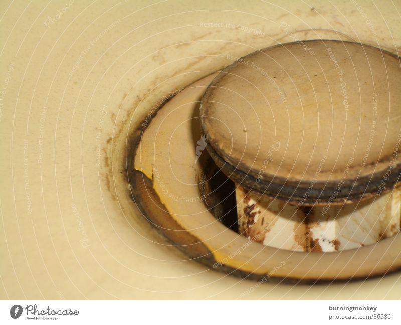 Iiiihhhh Abfluss Waschbecken dreckig sanitär beige Dinge Wasser alt klemptner Rost
