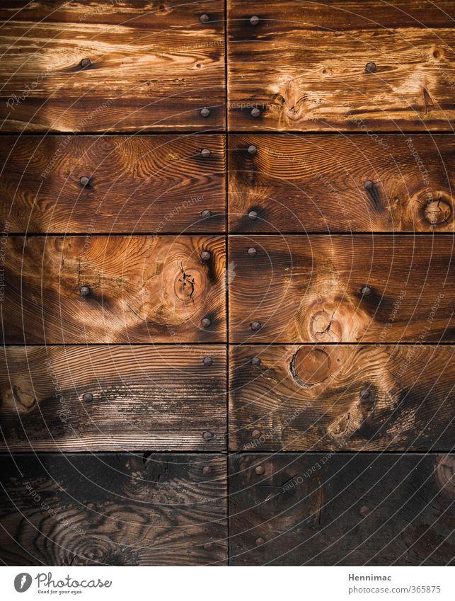 Unbehandelt. Kunst Natur Holz alt braun grau schwarz Stil Vergänglichkeit Maserung Schiffsplanken Strukturen & Formen Nagel Detailaufnahme Tür vertäfelt