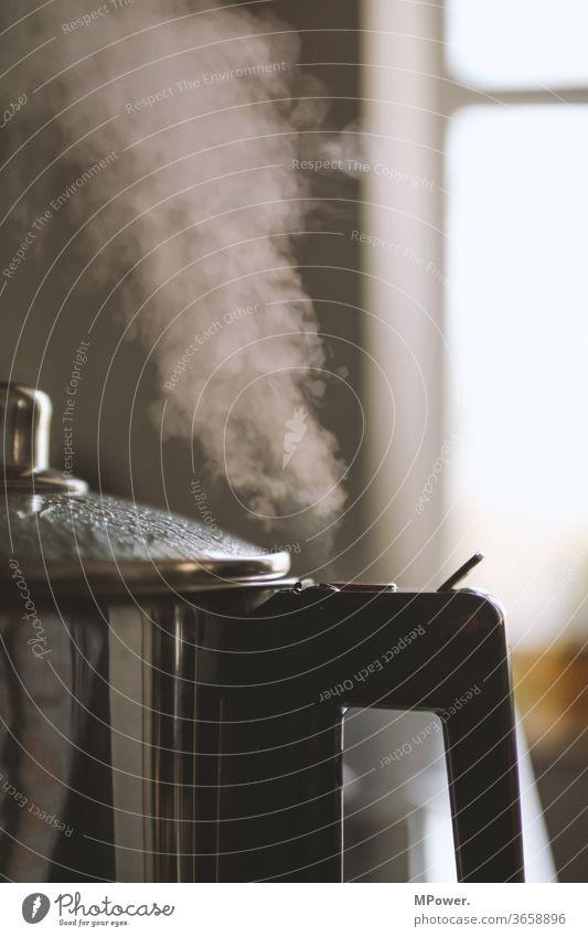 heiße luft kochen & garen dampf Dampfwolke dampf ablassen Dampfkessel Küche Ernährung Herd & Backofen Wärme Gasherd Topf Hitze schnellkochtopf