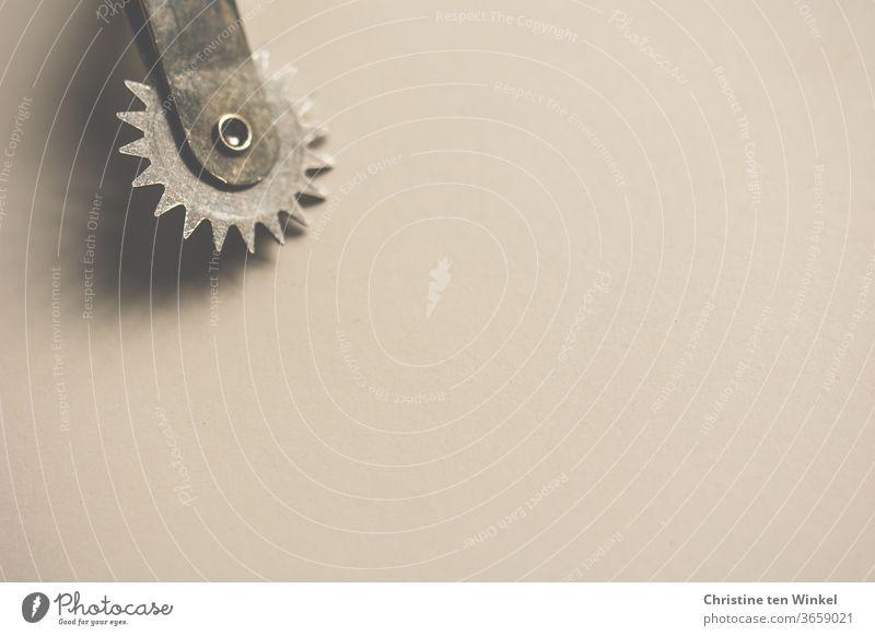 Kopierrädchen minimalistisch mit viel Freiraum für Text Minimalismus Nähen ausrädeln Nähutensilien Freizeit & Hobby Handarbeit Schneidern Handwerk kopieren