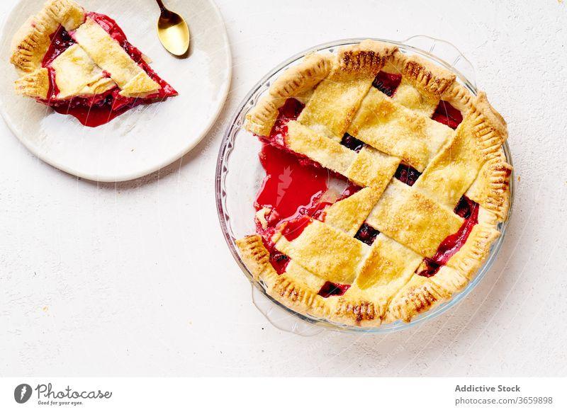 Süßer Kuchen mit Äpfeln und Preiselbeeren Pasteten Erntedankfest Lebensmittel Apfel Varieté Saison Herbst backen Abendessen saisonbedingt rund traditionell