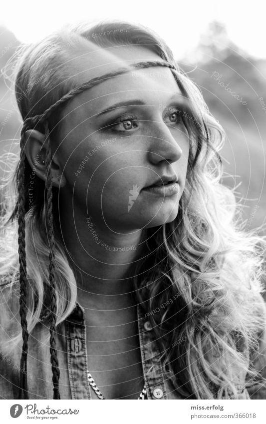 These Eyes don't lie Mensch Frau Kind Jugendliche schön Einsamkeit Junge Frau 18-30 Jahre Gesicht Erwachsene Auge Leben feminin Haare & Frisuren Stil träumen