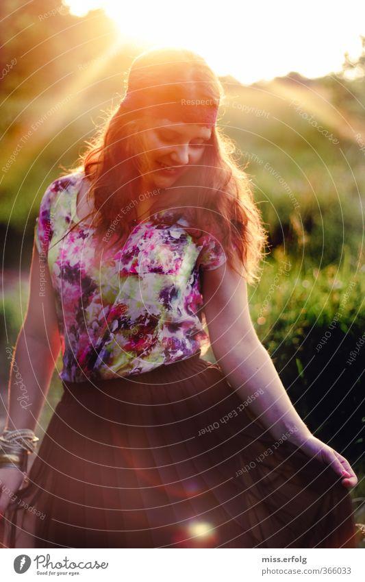 Phantasialand Mensch Frau Kind Natur Jugendliche Junge Frau Mädchen Freude Erwachsene Leben feminin Glück Mode träumen Körper gold