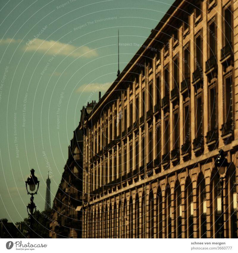 paris in grün und gelb Paris himmel architektur wolken licht beton antik urlaub laterne Straßenverkehr fluchten blick horizont fenster