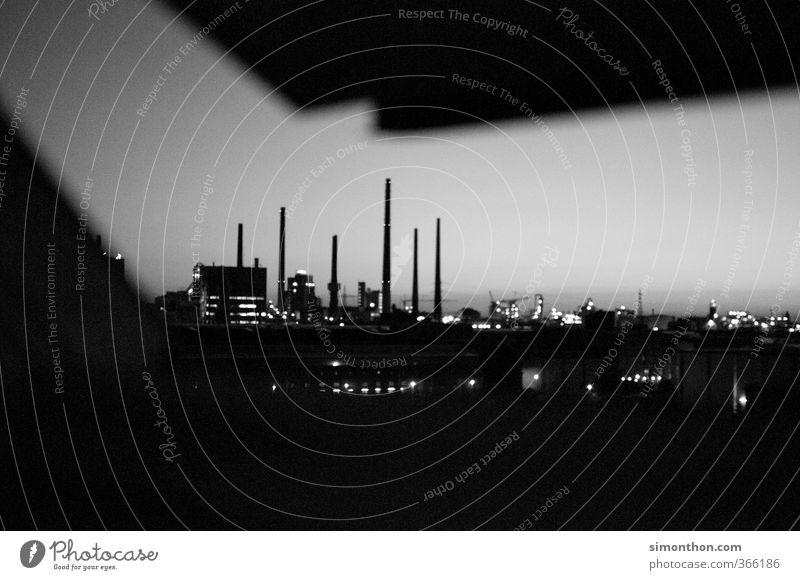 Fabrik Umwelt Architektur Gebäude Horizont Stimmung Business Idylle Klima Energiewirtschaft modern Zukunft bedrohlich Macht Industrie Güterverkehr & Logistik
