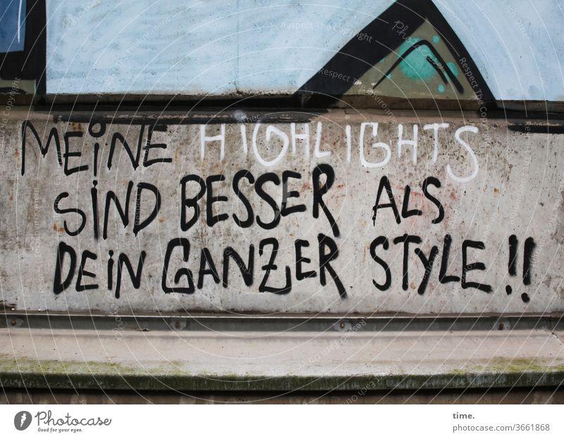 Sein & Design   Gegensätze grafitti mauer wand spruch botschaft erkenntnis überzeugung buchstaben ausrufezeichen wettbewerb konkurrenz besserwisser style