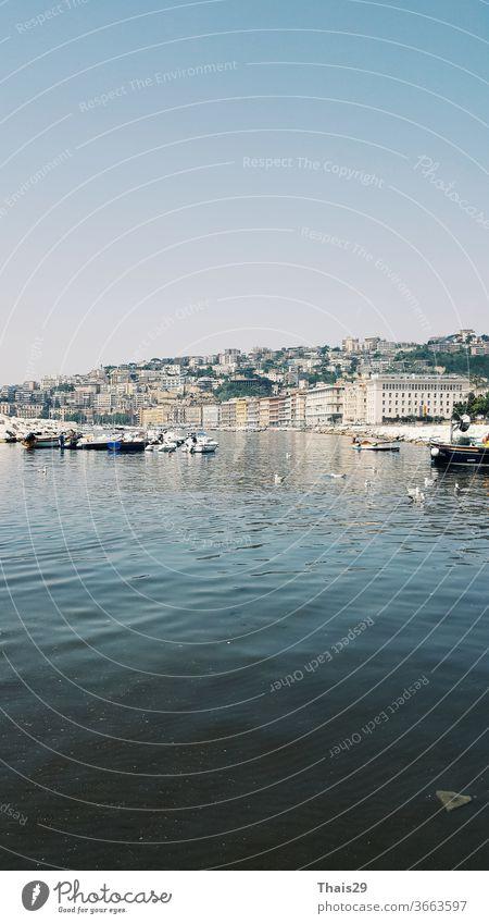 Italienisch Neapel Strand Meerblick Küstenlinie Panoramablick Stadtansicht Bucht Natur Napoli MEER Wahrzeichen reisen mediterran Wasser Architektur Europa