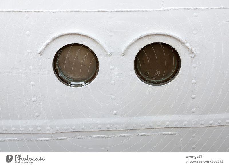 Schiefschnute weiß schwarz Wasserfahrzeug Schifffahrt Stahl Segelschiff Niete Bullauge Bordwand