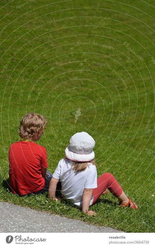 beste Sandkastenfreunde | Lieblingsmensch Kinder Freunde Kindheit Liebe Nähe Beziehung Familie & Verwandtschaft Junge Zusammensein Freude Gefühle Glück