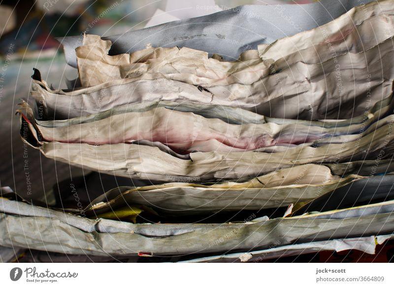 Auflösung mit der Ablösung Plakat Strukturen & Formen abstrakt Detailaufnahme Zahn der Zeit verwittert bleich verwaschen unbeständig Sammlung Schichten