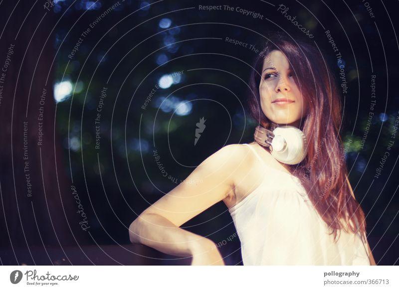 Kiri III Mensch feminin Junge Frau Jugendliche Erwachsene Leben Körper 1 18-30 Jahre Natur Pflanze Sommer Schönes Wetter Garten Park Wald Top Haare & Frisuren