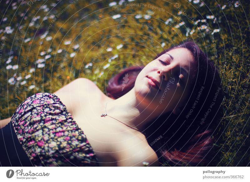time out II Mensch Frau Natur Jugendliche Sommer Pflanze ruhig Freude Junge Frau Erwachsene Wiese Leben 18-30 Jahre feminin Gefühle Gras