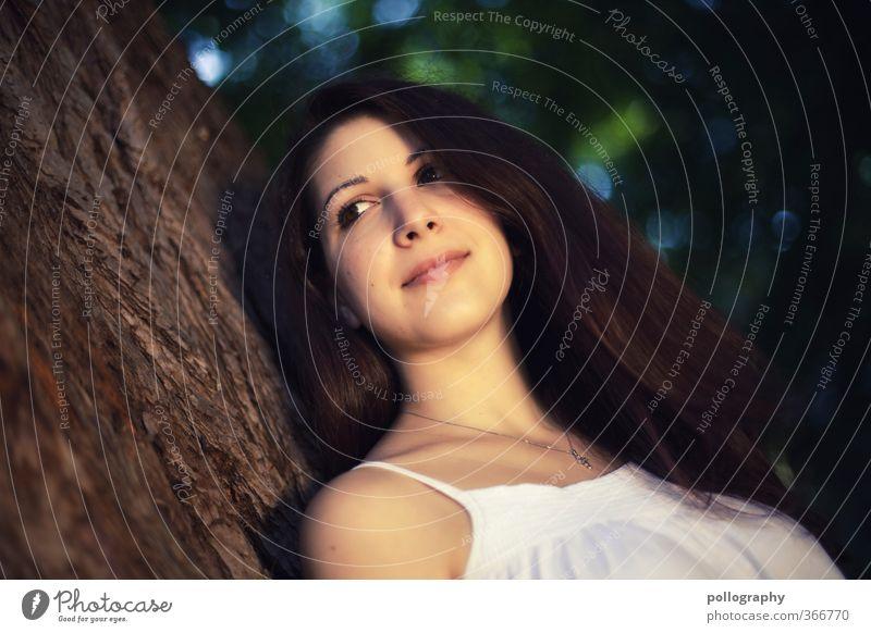 Kiri V Mensch feminin Junge Frau Jugendliche Erwachsene Leben Kopf 1 18-30 Jahre Umwelt Natur Pflanze Sommer Schönes Wetter Baum Sträucher Blatt Baumstamm
