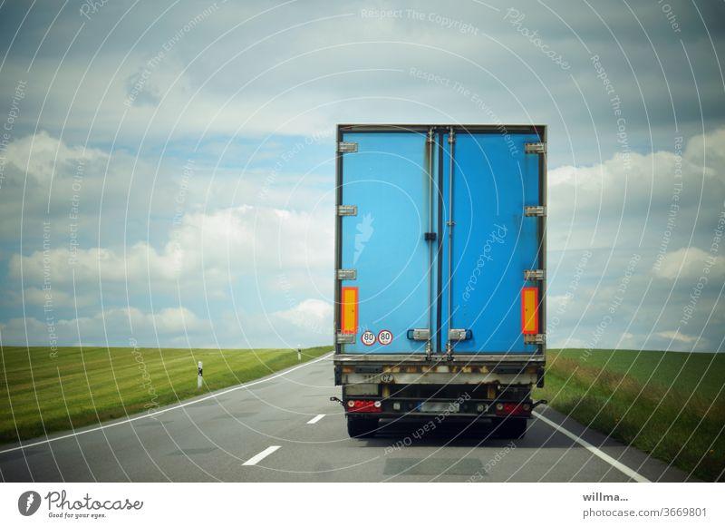 aller laster ende Laster LKW Ende blau Straße Güterverkehr & Logistik Landstraße Fernstraße Transport Fahrbahnmarkierung Lastwagen Nutzfahrzeug Gütertransport
