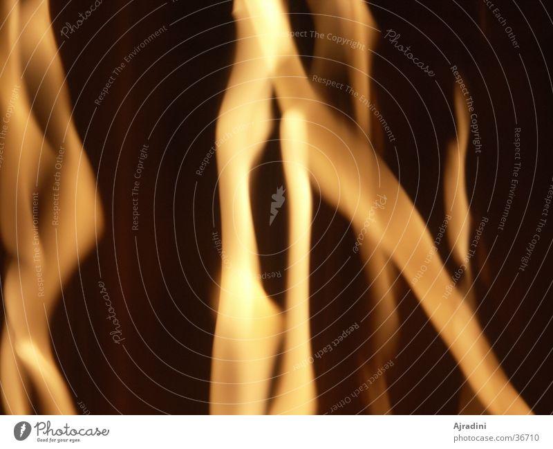 Feuer und Flamme Physik Langzeitbelichtung Feuerstreifen Wärme