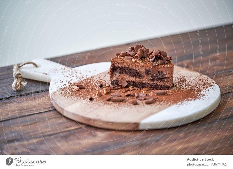 Schokoladen-Dessert Kuchen Konditorei süß Mousse geschnitten Garnierung Frucht Beeren Lebensmittel schmackhaft Kakao Minze dienen Feinschmecker Spielfigur essen