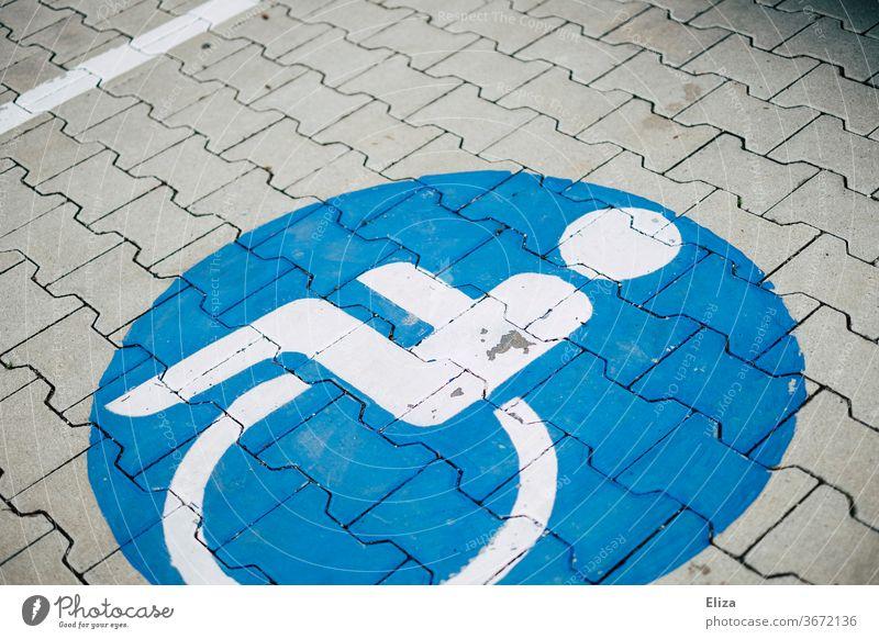 Behindertenparkplatz Rollstuhl Behindertengerecht Schilder & Markierungen Parkplatz Mobilität Behinderung Symbol Handicap Rücksicht blau Zeichen