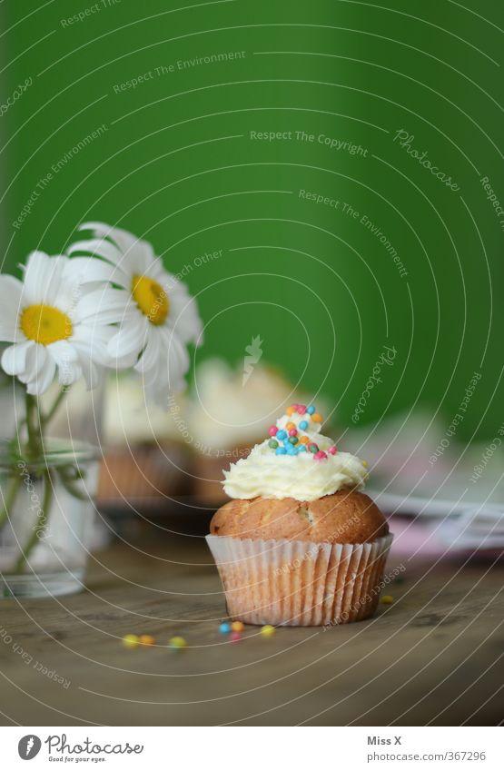 Frühstück ist fertig Lebensmittel Milcherzeugnisse Teigwaren Backwaren Kuchen Dessert Süßwaren Ernährung Kaffeetrinken Büffet Brunch Feste & Feiern Valentinstag