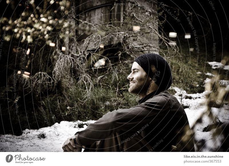 frisch verliebt Natur Jugendliche schön Baum Erholung Landschaft ruhig Winter Wald Junger Mann Umwelt kalt Schnee Denken maskulin nachdenklich