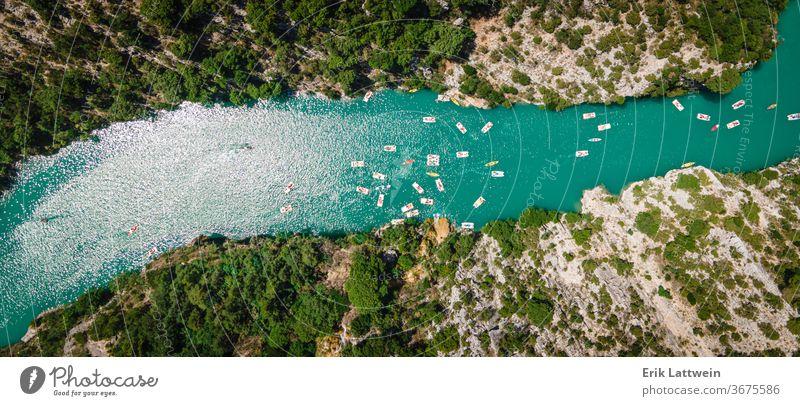 Der Fluss Verdon in den französischen Alpen schön Europa Frankreich Natur im Freien Schlucht Wald grün Landschaft Provence Felsen Sommer Tourismus reisen verdon