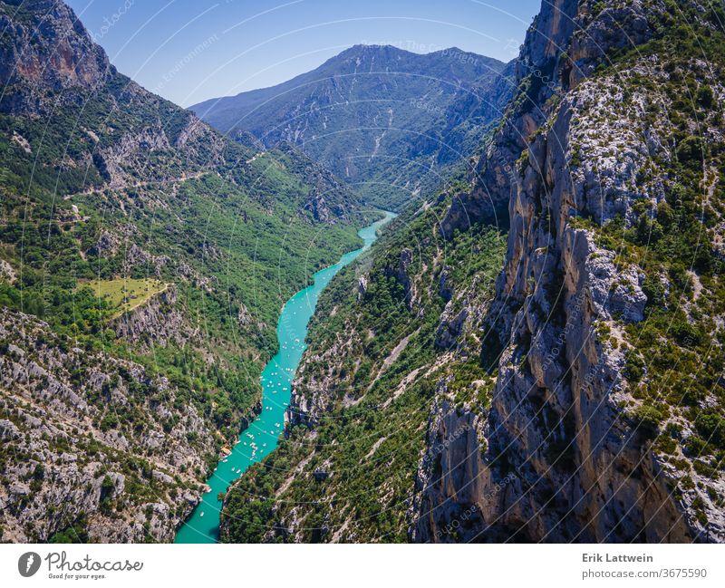 Erstaunliche Natur des Verdon-Canyons in Frankreich schön Europa im Freien Schlucht Wald grün Landschaft Provence Felsen Sommer Tourismus reisen verdon Ansicht