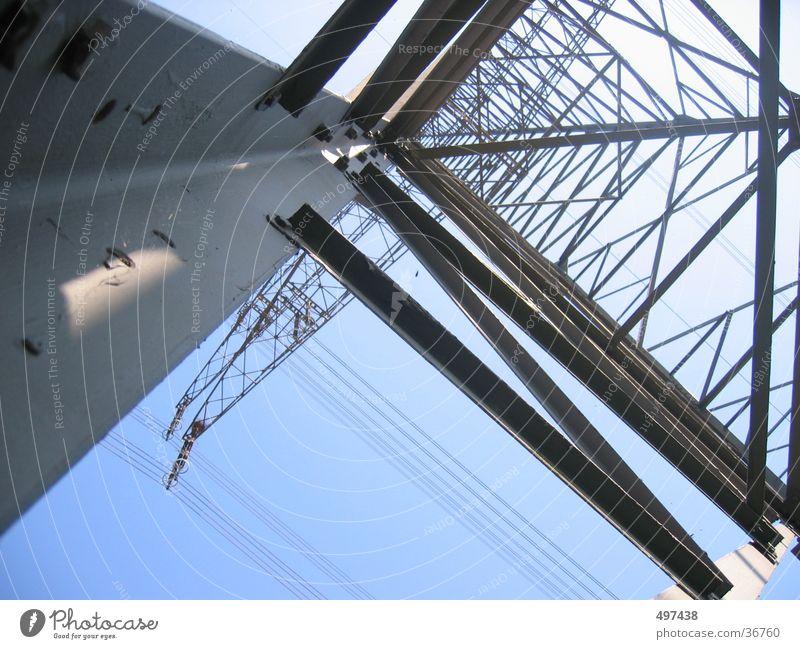hoch Industrie Strommast Blauer Himmel Starkstrom