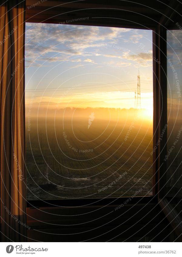 morgens am fenster Fenster Sonnenaufgang Schwarzwald Morgen Morgendämmerung offenes fenster