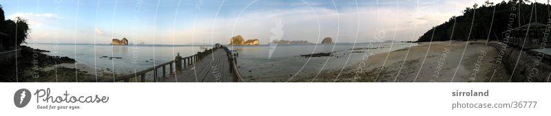 Koh Ngai (Ko Hai) Thailand Koh Whaen Strand Meer Anlegestelle Küste Sonne ruhig Palme Sommer Segelschiff Motorboot Panorama (Aussicht) Weitwinkel