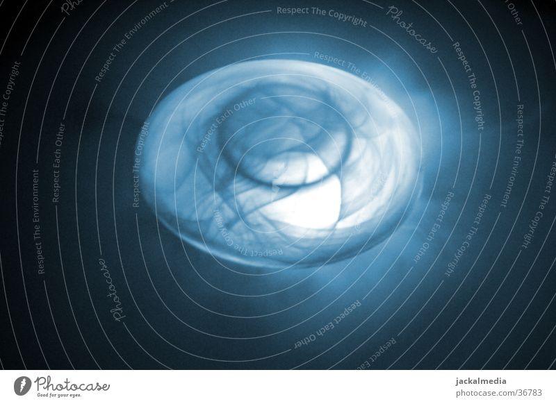 Ufo-Qualle blau Beleuchtung Nebel Rauch obskur UFO Außerirdischer außerirdisch