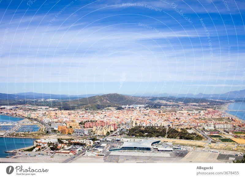 Stadt La Linea de la Concepcion in Spanien oben Großstadt Europa reisen Tourismus Ansicht Standort Tourist hoch Andalusia Spanisch Ort Winkel Haus Gebäude Klotz