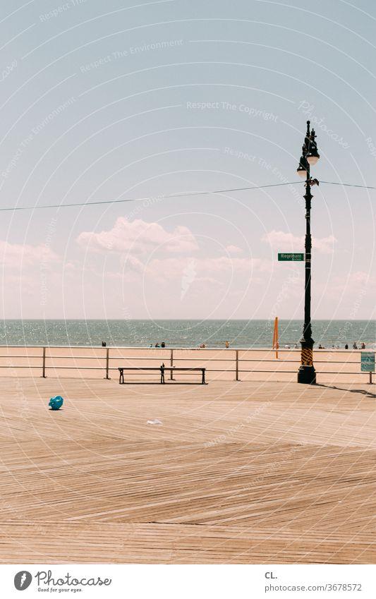 strandpromenade Strand Wasser Meer Laterne Wege & Pfade Schönes Wetter Himmel Blauer Himmel Urlaub Ferien & Urlaub & Reisen Bank Erholung Sommer Küste