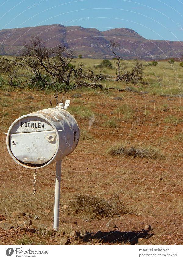 Post! Outback Briefkasten Australien Einsamkeit Ferne weite ebene Bauernhof