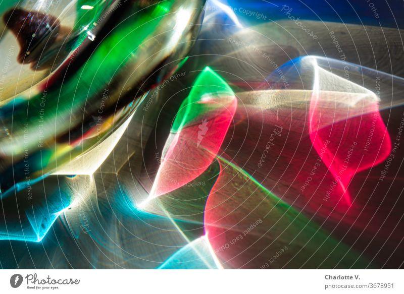 Psychadelisch | Bunte Lichtreflexe Farbfoto Nahaufnahme Tag Sonnenlicht psychadelisch Disko Lichtwellen bunt blau rot grün türkis Struktur bunt gemischt