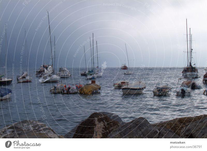 Bella Italia - nönö, nisch segeln! Traurigkeit Regen Wasserfahrzeug Europa Italien Mittelmeer