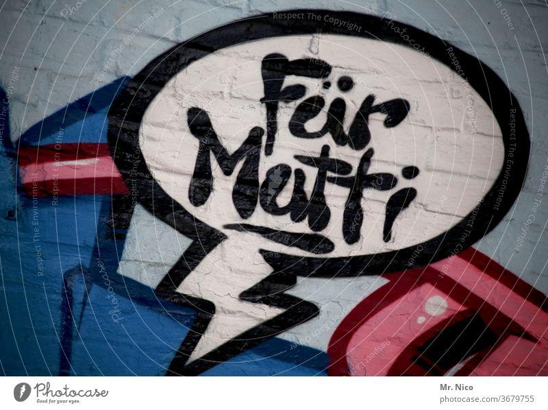 Für Mutti Graffiti Wand Schriftzeichen Mauer Fassade Buchstaben Wort Mutter Text Sprechblase Jugendkultur Kunst Typographie Frauenbewegung Feminismus
