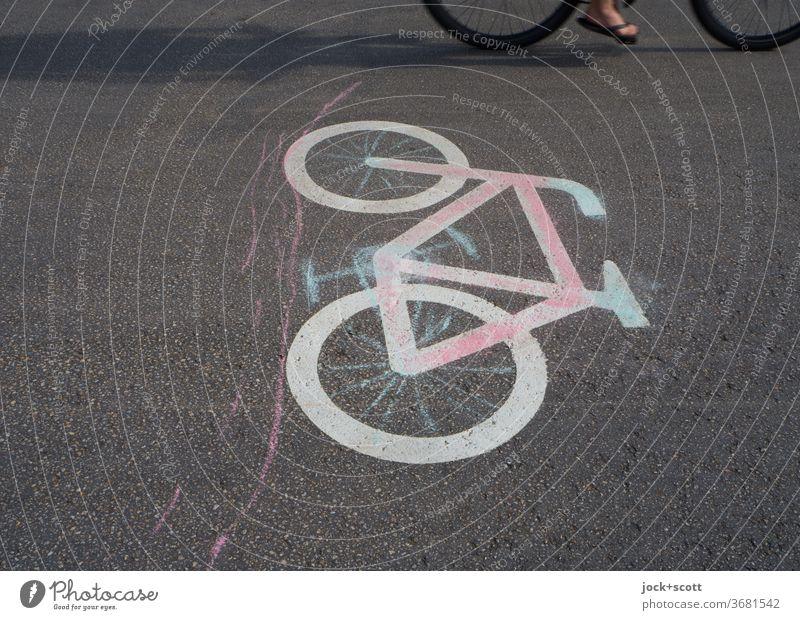 Fortbewegung mit einem Fahrrad Piktogramm Schilder & Markierungen Zeichen Sonnenlicht Momentaufnahme Anschnitt Straßenkunst aufgemalt Verkehrswege