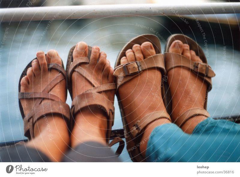 dreckige füße Mensch Ferien & Urlaub & Reisen Fuß Schuhe Sandale