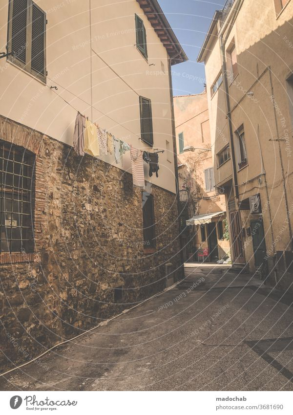 Castiglione della Pescaia Stadt Italien Gasse Toskana Architektur Menschenleer historisch Haus Altstadt Fassade Gebäude Außenaufnahme Stadtzentrum Bauwerk