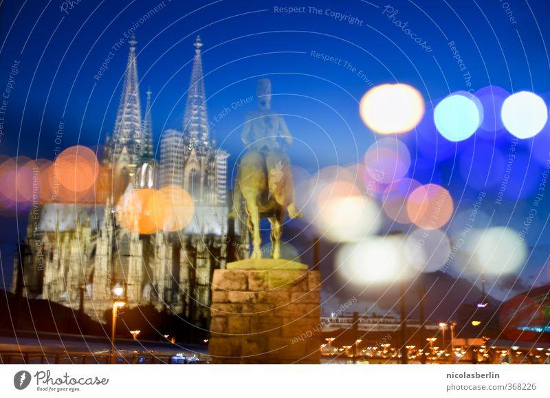 Finissage / Vernissage. Köln by night. Ferien & Urlaub & Reisen Stadt Gebäude träumen leuchten Tourismus Ausflug Abenteuer Hoffnung Neugier Glaube Wahrzeichen