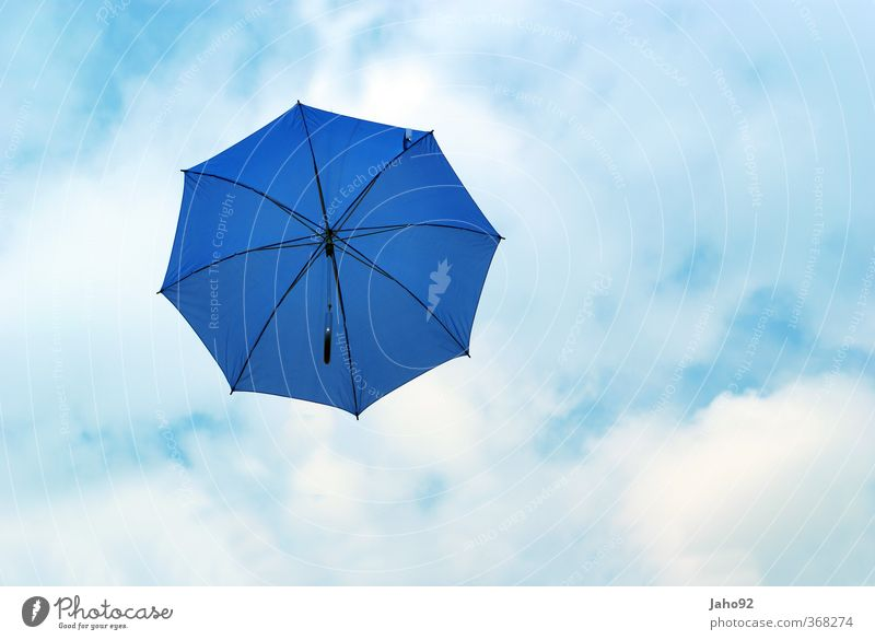 Blue Umbrella Lifestyle Wasser Tropfen beweglich Leichtigkeit Regenwasser Regenschirm Schutz Himmel himmelblau Sommerurlaub sommerlich Ferien & Urlaub & Reisen