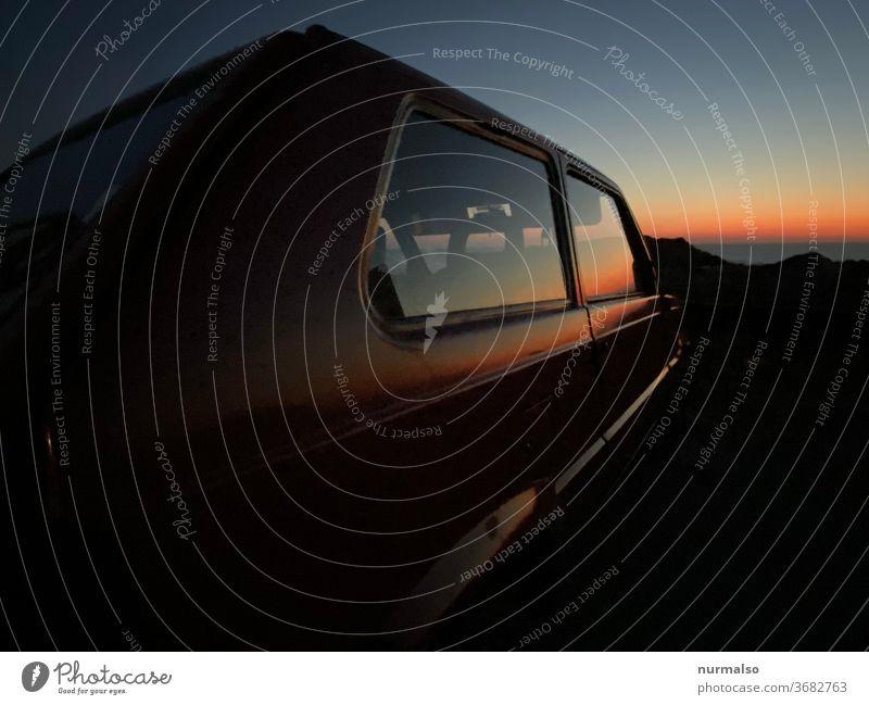 Italien Box Sonne Urlaub Untergang hitze Meer freiheit kantig rot Emotionen Scheiben spiegelung fernweh Auto einfach genial kompakt horizont himmel nachthimmel