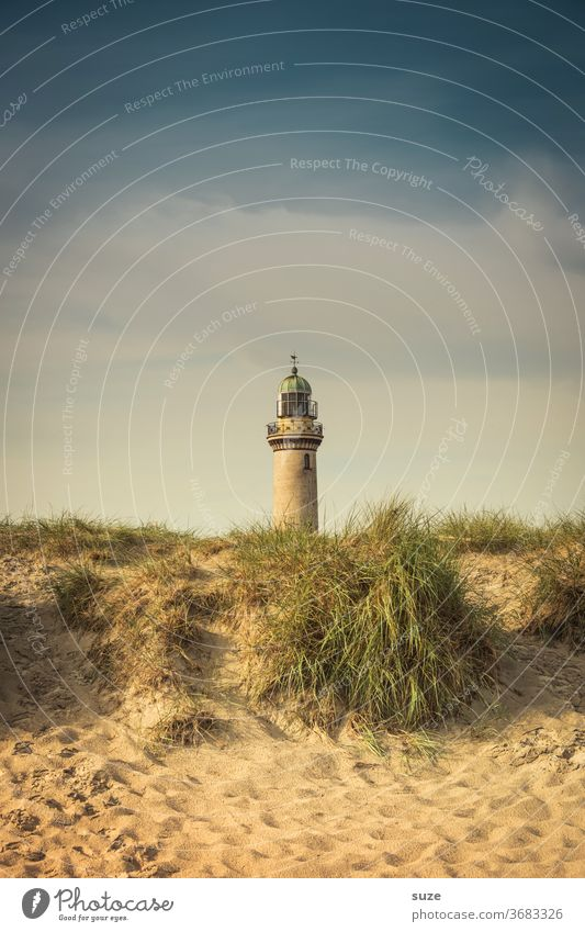 Leuchtturm - Halb & Halb Ferien & Urlaub & Reisen Tourismus Sightseeing Himmel Rostock Deutschland Mecklenburg-Vorpommern Warnemünder Teepott Farbfoto
