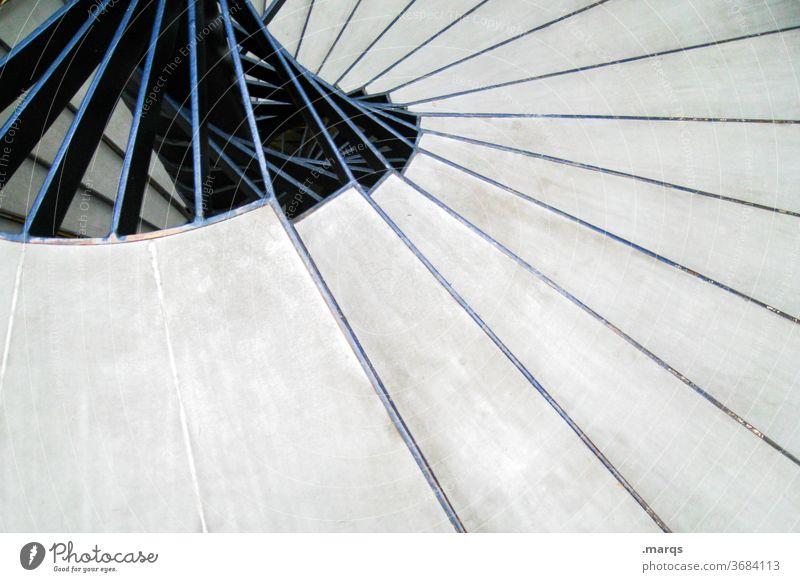Treppab rund Treppe Wendeltreppe Struktur drehen Perspektive nach unten Beton Treppenhaus Treppenstufen
