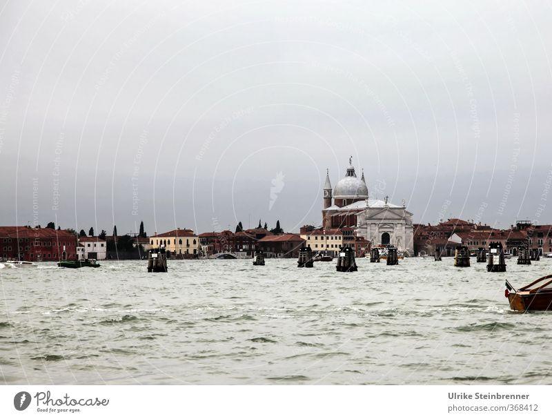 Salute / Thementag Venedig Ferien & Urlaub & Reisen Stadt Haus Architektur Gebäude Tourismus nass Kirche Kultur Italien Hafen historisch Schifffahrt Verkehrswege Wahrzeichen Sehenswürdigkeit