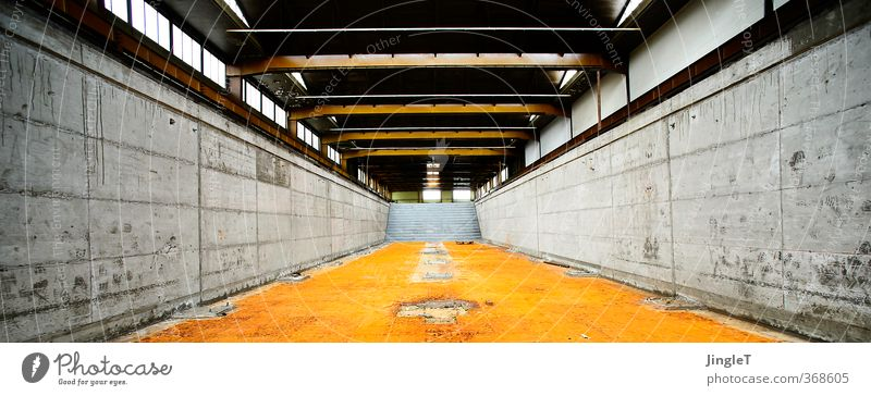 ut köln   clouth   großküche Stadt ruhig Ferne gelb Wand Architektur Mauer Gebäude grau braun orange gold Treppe warten Dach Schutz