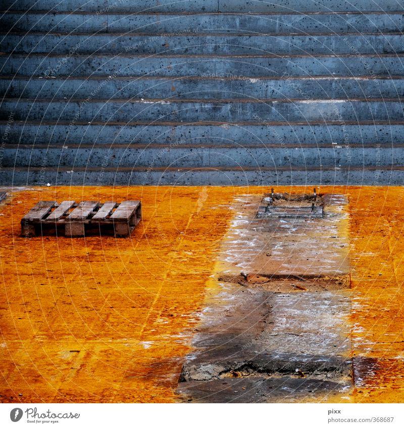ut köln | clouth-werke |abgebaut alt Stadt ruhig kalt Holz grau Stein Linie braun Arbeit & Erwerbstätigkeit orange Treppe dreckig laufen Platz trist
