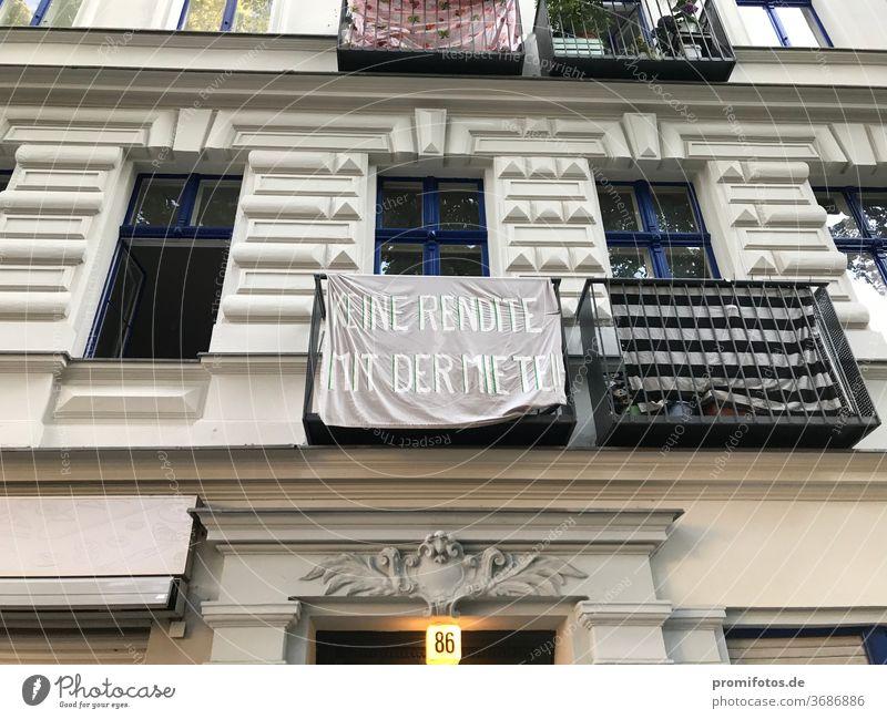 """Protest: """"Keine Rendite mit der Miete"""" / Foto: Alexander Hauk miete mieten wohnung mietwohnung mietzahlungen mietwucher mieter mieterschutz mieterschutzverein"""