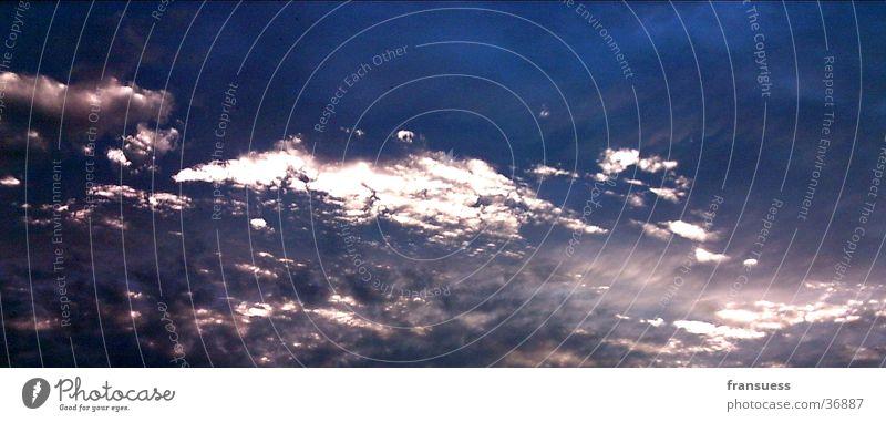 Himmel über Leipzig Sonnenuntergang Abend blau schleierwolken