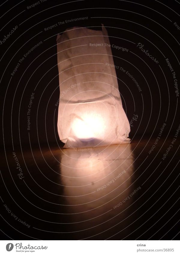 Tütenlichter2 Licht Kerze dunkel weiß Häusliches Leben Schatten hell